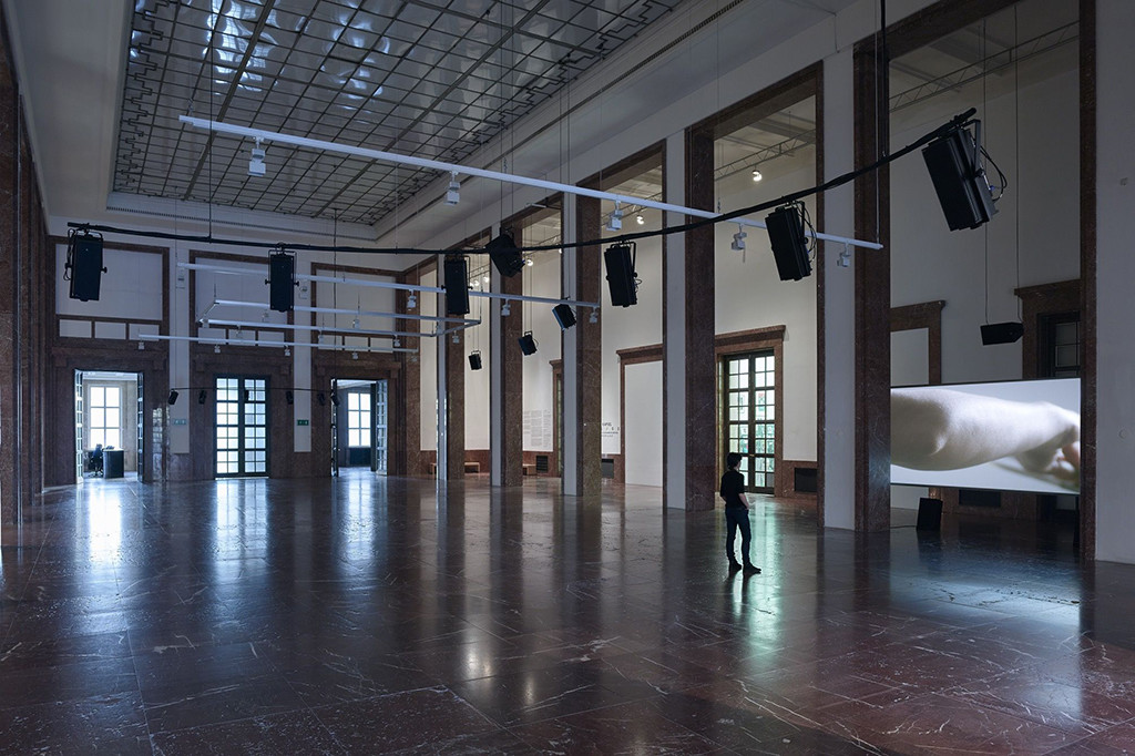 Anri Sala, The Present Moment, 2014 (in D), Installation view Haus der Kunst, Courtesy of Haus der Kunst and Jens Weber, München