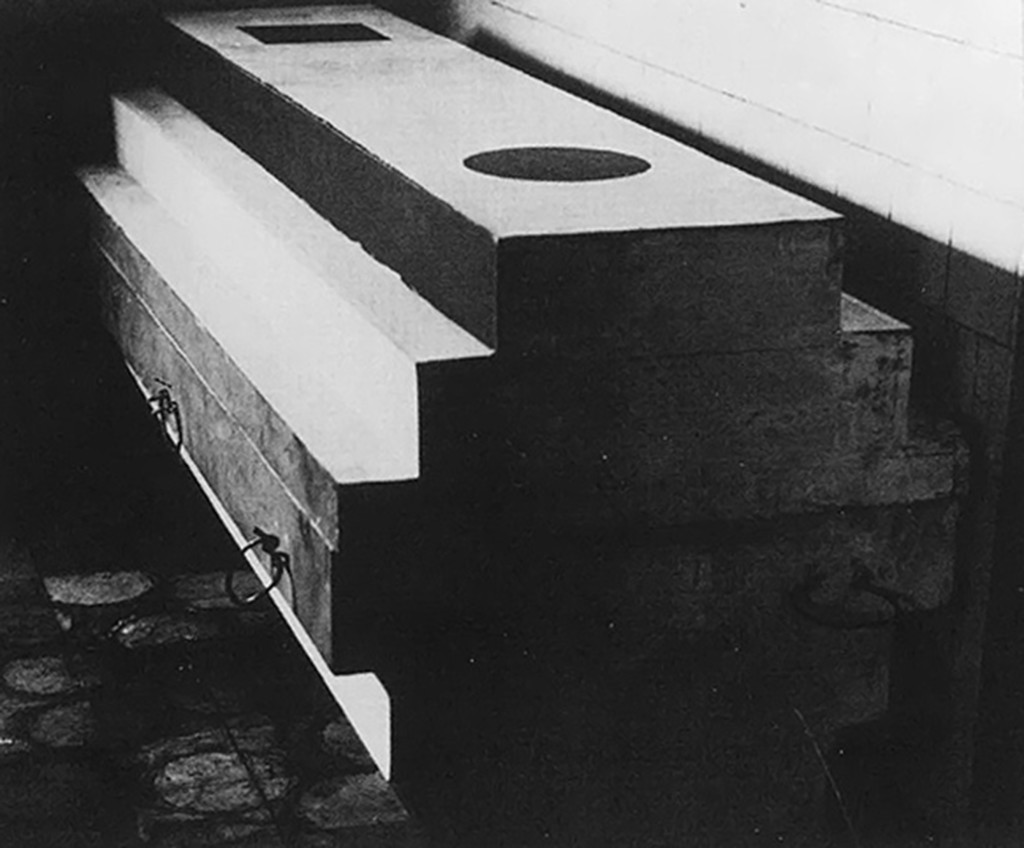Suprematist Coffin for Kazimir Malevich, arkhitekton (1935), by Nikolai Suetin.